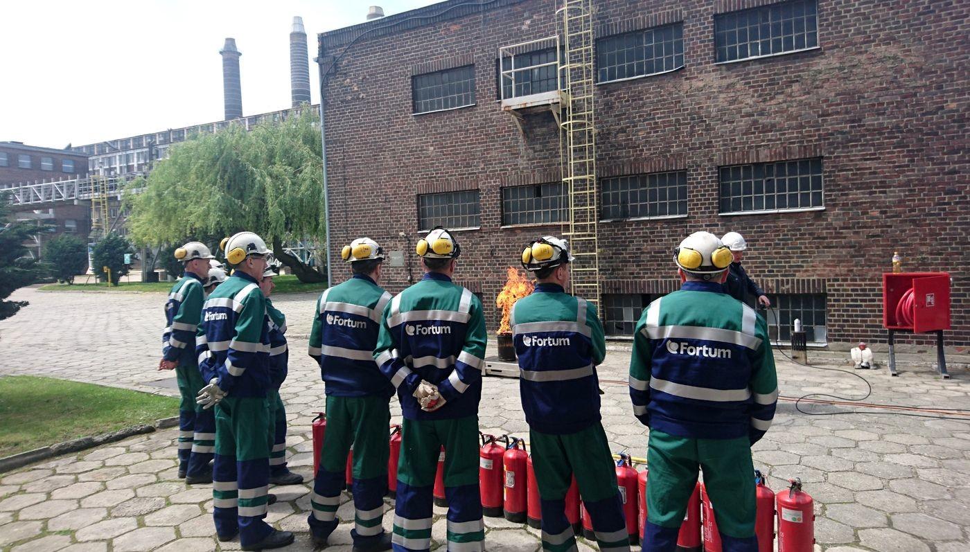 Szkolenia ppoż w zakresie zwalczania pożarów i ewakuacji w Elektrociepłowniach Fortum
