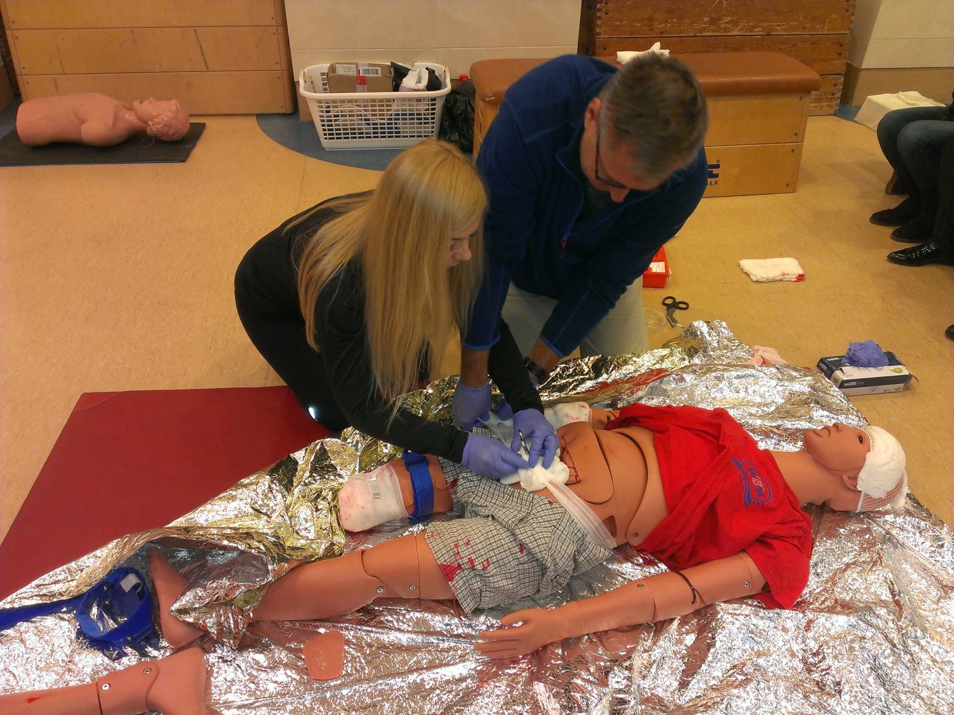 praktyczne szkolenia z pierwszej pomocy warszawa