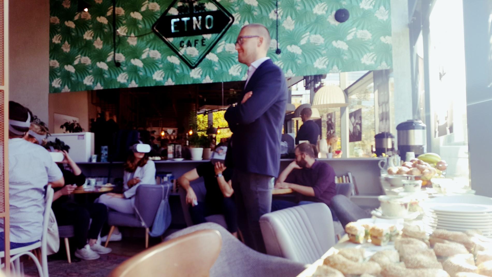 Etno cafe i wirtualna rzeczywistość